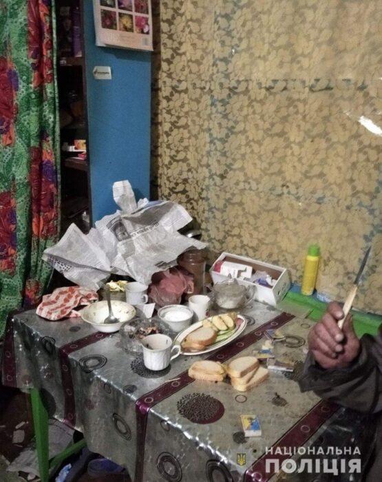Под Харьковом пенсионер во время застолья едва не зарезал приятеля