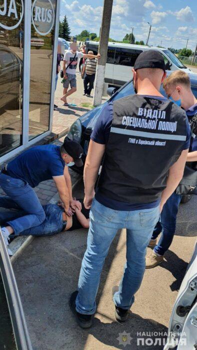 На Харьковщине гражданин РФ дал взятку пограничнику за снятие ограничения на въезд в Украину