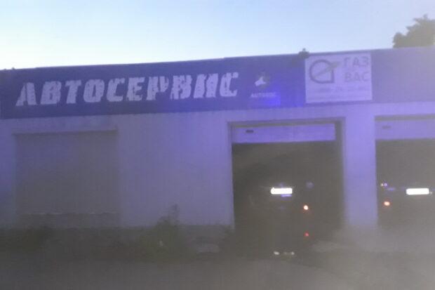 В Харькове в автосервисе сгорел автомобиль