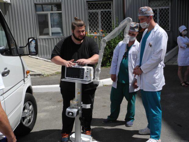 Две больницы в Харьковской области получили аппараты искусственной вентиляции легких