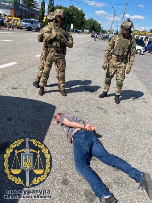 В Харьковской области преступная группа похитили мужчину и требовали 20 тысяч долларов у родственников за его освобождение