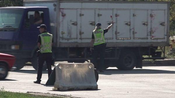 В Песочине водитель грузовика наехал на патрульного