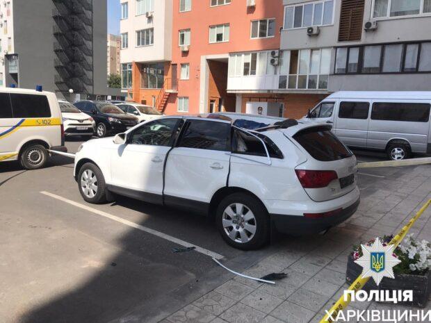 Выпал из окна на припаркованный автомобиль: в полиции рассказали новые подробности