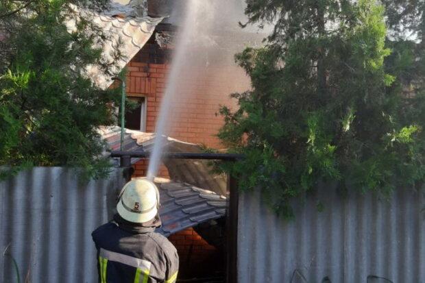 В Харькове сгорел швейный цех