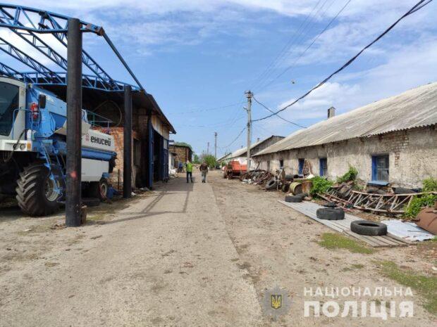 В Малой Рогани девять человек принудительно работали на ферме: полиция установила 12 эпизодов преступной деятельности фермеров
