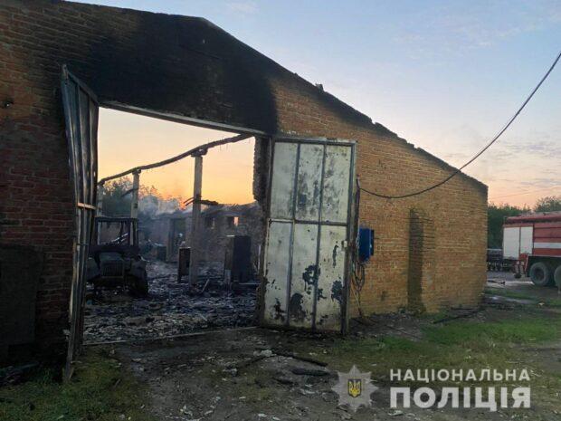 Фермеру в Харьковской области сожгли сарай и технику: полиция открыла уголовное дело