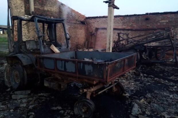 Фермеру в Харьковской области сожгли сарай и технику