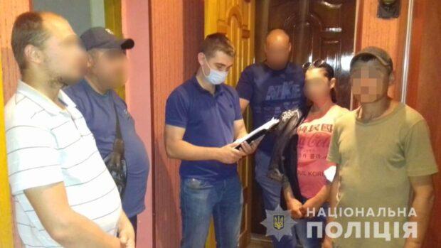 Харьковчанин покупал автомобили расплачиваясь фальшивыми купюрами