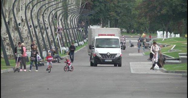 В парке Победы вандалы повредили фонтаны и газоны