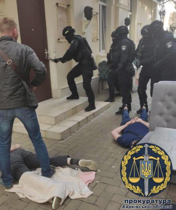 В Харькове задержали криминального авторитета, чья группировка представлялась полицией и требовали с наркозависимых деньги