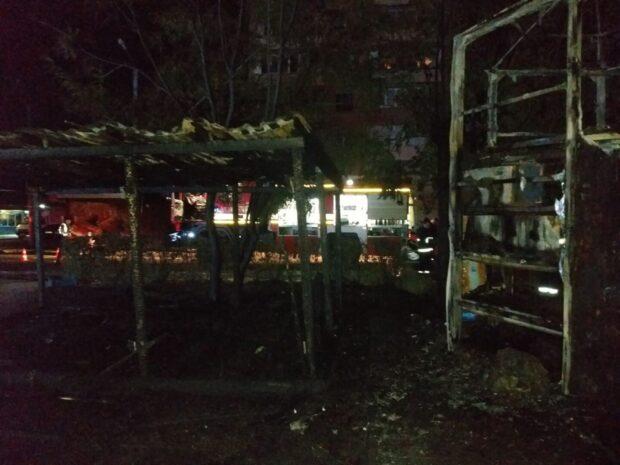 В Харькове ночью сгорел овощной навес