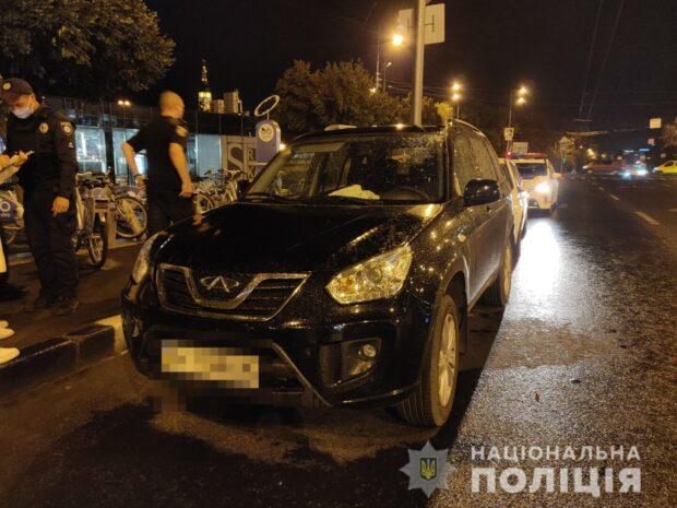 В Харькове мужчина украл ключи от автомобиля во время проведения ремонтных работ в доме и решил покататься