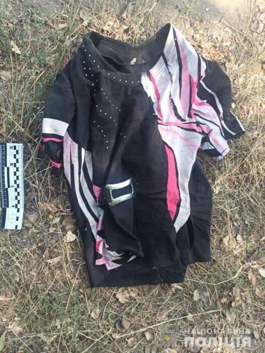 Под Харьковом возле дороги нашли труп пожилой женщины