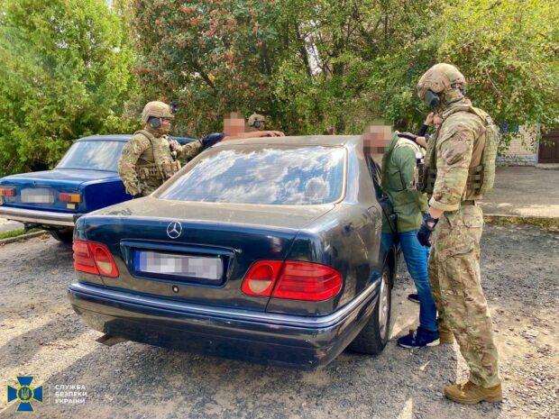 На Харьковщине контрразведка СБУ задержала организатора нелегальной легализации россиян в Украине