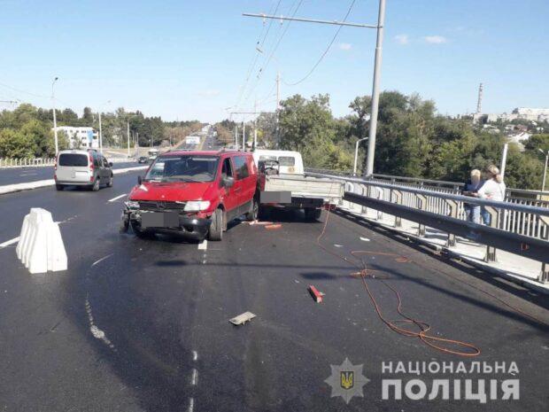 В Харькове пьяный водитель сбил двоих рабочих