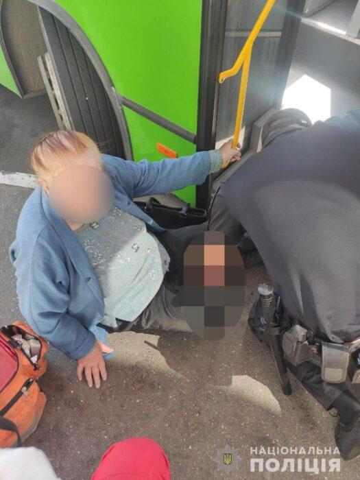 В Харькове маршрутный автобус сбил пенсионерку