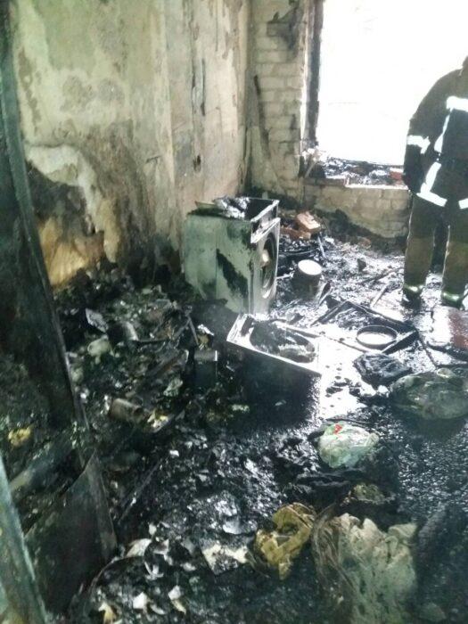 На пожаре в пятиэтажном доме трое харьковчан отравились угарным газом