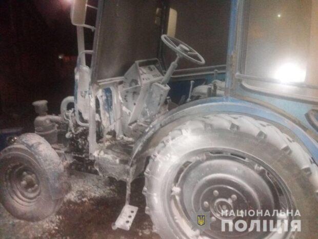 На территории авторынка в Харькове взорвали трактор
