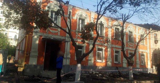 Пострадавший от пожара дом на улице Конторской приводят в порядок - мэрия