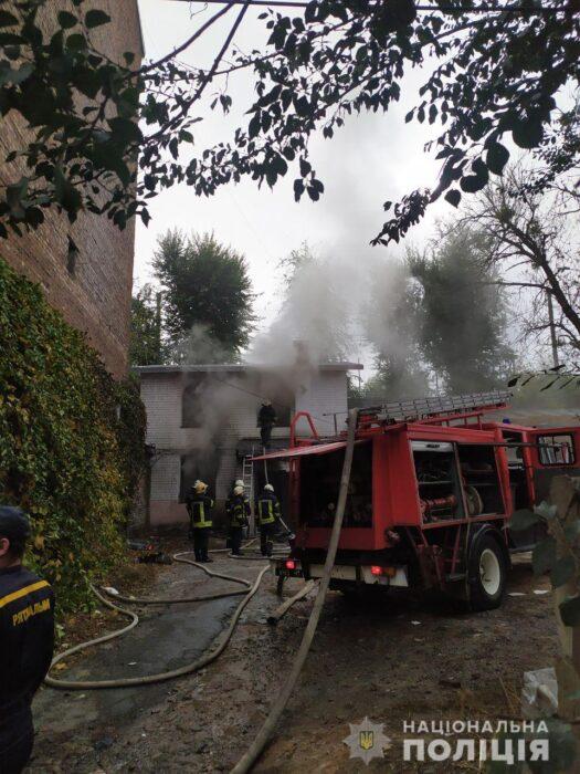 В результате пожара в центре Харькова пострадало два человека