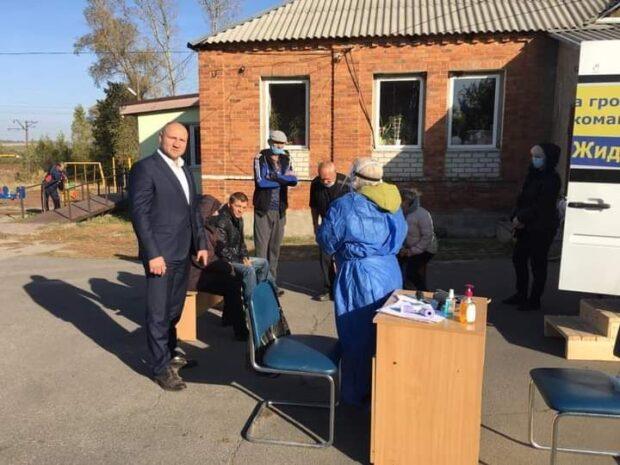 На Харьковщине кандидат в мэры организовал проведение бесплатных тестов на COVID-19
