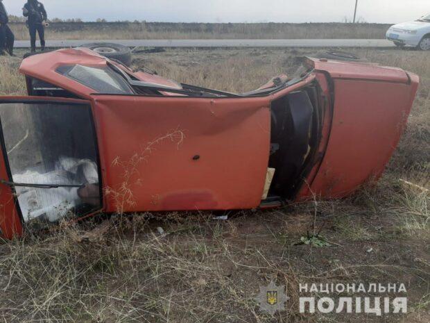 Под Харьковом водитель не справился с управлением и врезался в другое авто