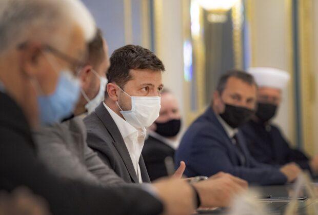 Зеленский: Если в Украине будет более 9,5 тысяч инфицированных каждый день - снова будет жесткий карантин