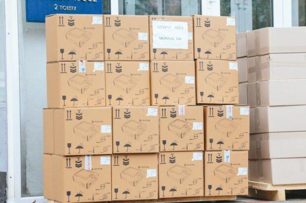 Железнодорожным больницам, которые будут принимать больных с COVID-19, передали аппараты ИВЛ и средства защиты