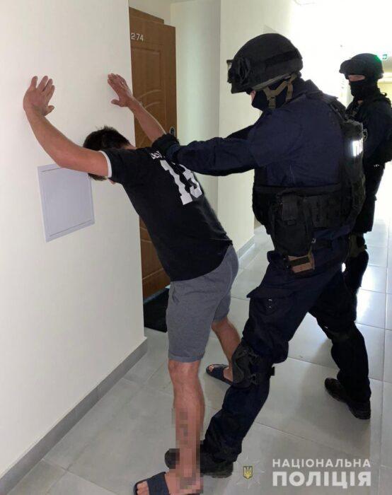 В Харькове разоблачили преступную группировку за вымогательство у арестантов СИЗО
