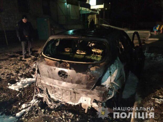 Под Харьковом сожгли автомобиль 26-летней женщины