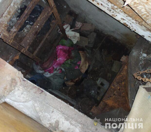 Под Харьковом пьяный мужчина зарезал отчима своей сожительницы и спрятал тело в погребе