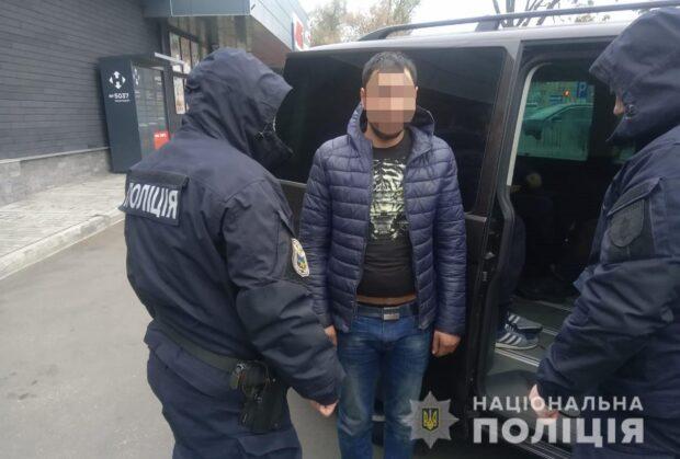 В Харьковской области задержали мужчину, который несколько скрывался от полиции за убийство