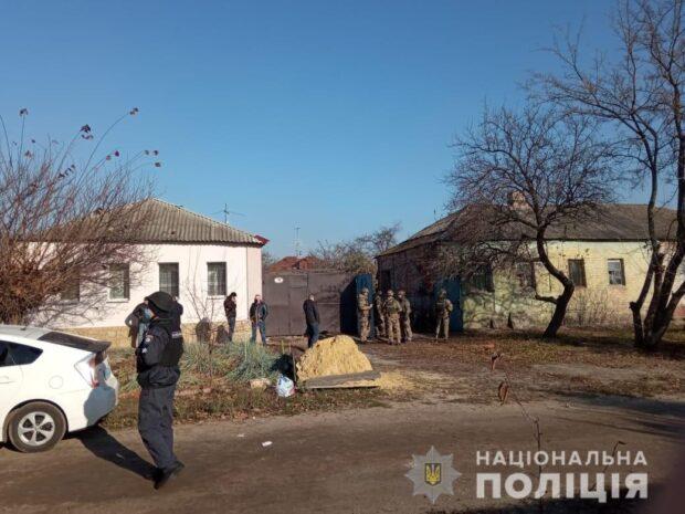 Мужчину, который угрожал взорвать гранату задержали: никто не пострадал