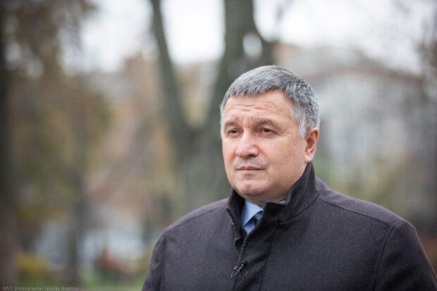Аваков: Я считаю, что в Украине необходимо вводить полный локдаун на 3-4 недели
