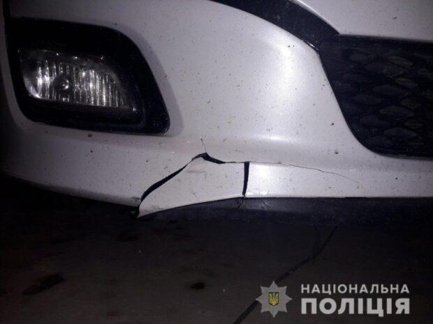 Под Харьковом водитель переехал мужчину, который лежал на дороге
