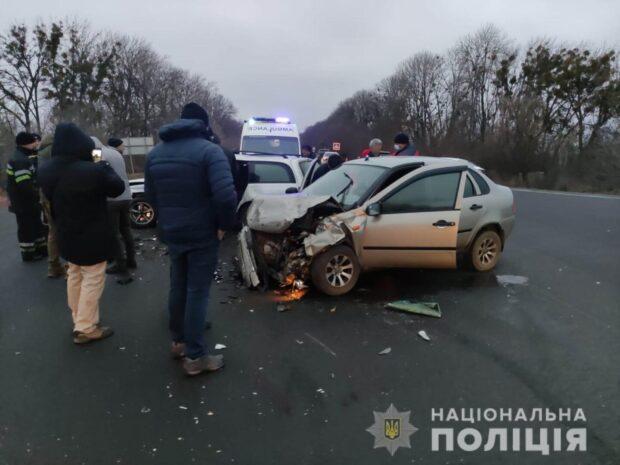 В Харьковской области из-за столкновения двух автомобилей пострадало четыре человека
