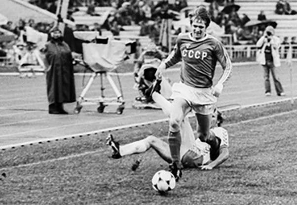 Футболист Владимир Бессонов