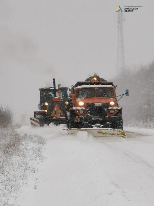 Снег выпал в шести районах Харьковской области (