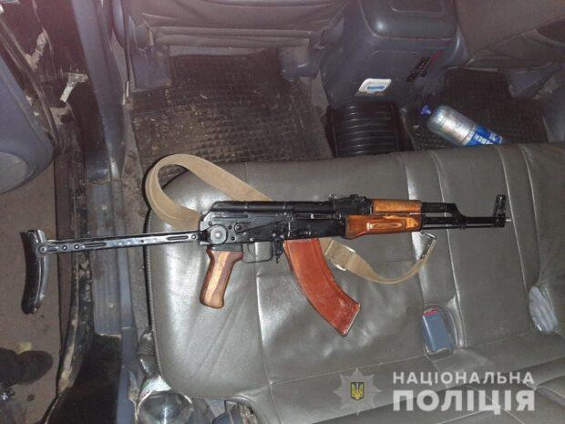 Под Харьковом мужчина обстрелял пассажиров автомобиля, которых принял за браконьеров