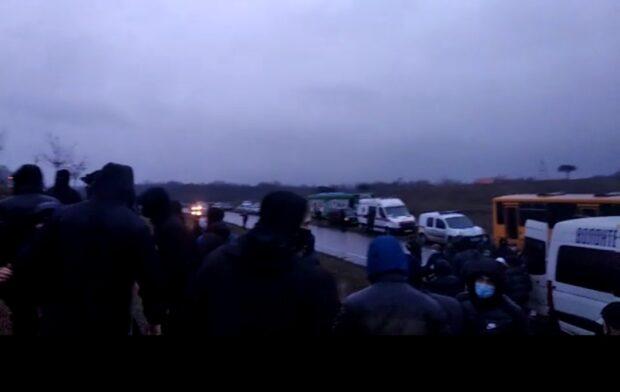На Мемориале памяти жертв Голодомора в Харькове произошла потасовка (видео)