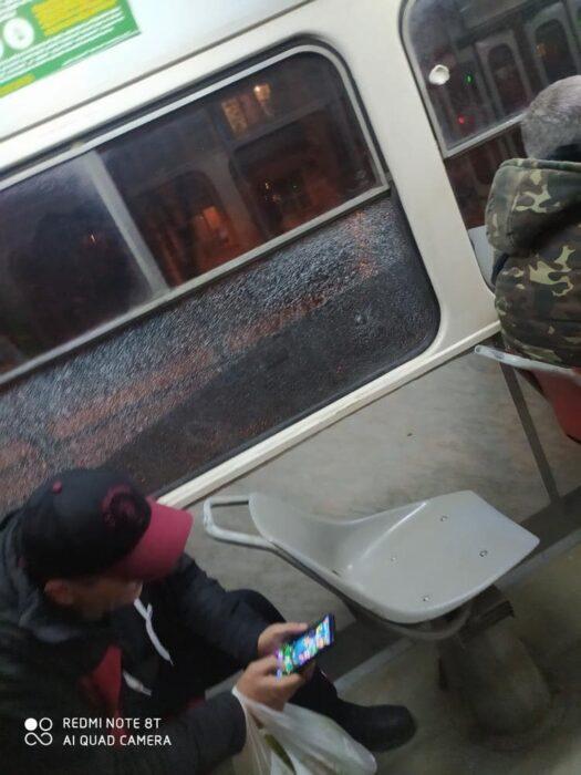 На Алексеевке неизвестные обстреляли трамвай