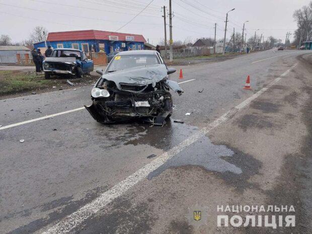 В Харьковской области в результате столкновения автомобилей пострадал один из водителей