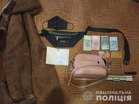 Под Харьковом женщина угрожая отверткой ограбила продавщицу магазина