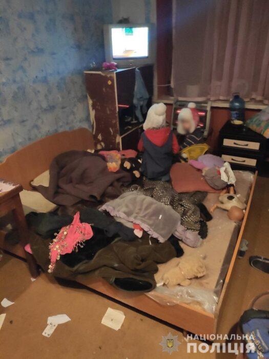 Под Харьковом у женщины отобрали троих детей