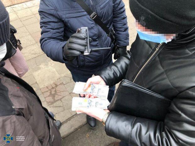 В Харькове СБУ задержала чиновника, который предлагал взятку прокурору