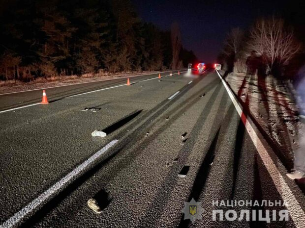 В Харьковской области насмерть сбили мужчину, который переходил дорогу в неустановленном месте