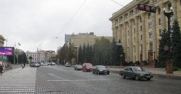 На улице Сумской завтра ограничат движение транспорта