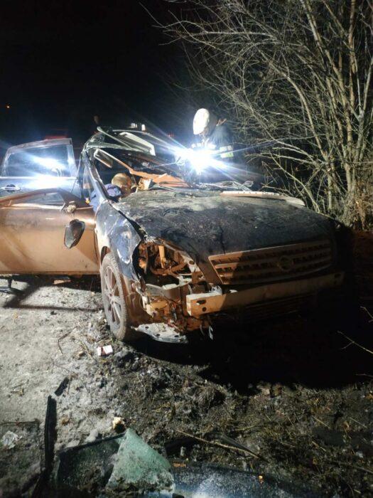 В Харькове спасатели деблокировали из автомобиля погибшего водителя