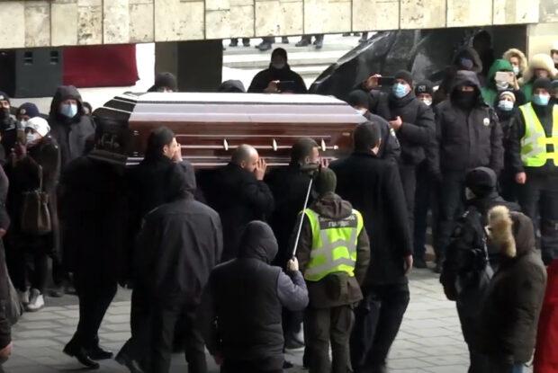 Церемония прощания с Геннадием Кернесом завершилась