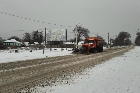 На дорогах Харьковской области работают 133 единицы техники и более 150 рабочих